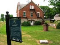 Nauvoo House, Nauvoo with sign